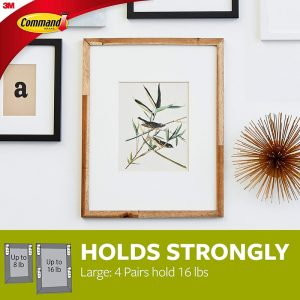 Command-Large-Picture-Hanging-Strips-17206-lifestyle