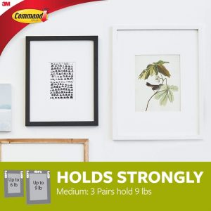 Command-Medium-Picture-Hanging-Strips-17201-lifestyle