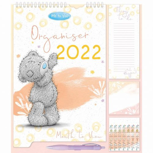 Me to You Classic Family Planner 2022-front